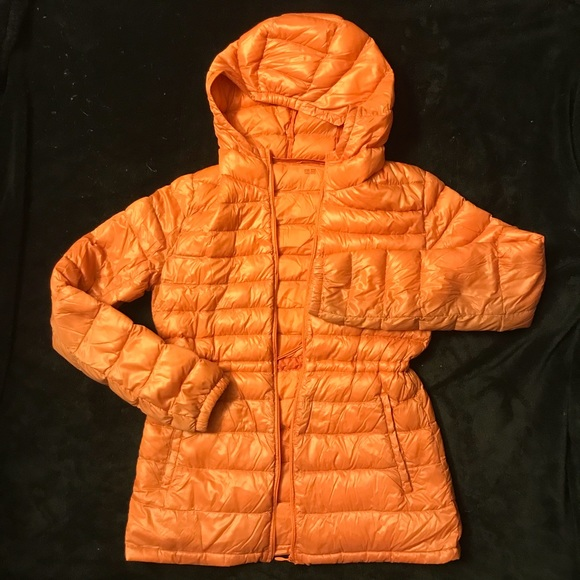 7a4cea2c334 UniQlo orange Puffer hooded down winter jacket S. M_5c0b10eefe51513ffccd38ce